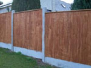 Garden fencing Dublin - vertical capped panel